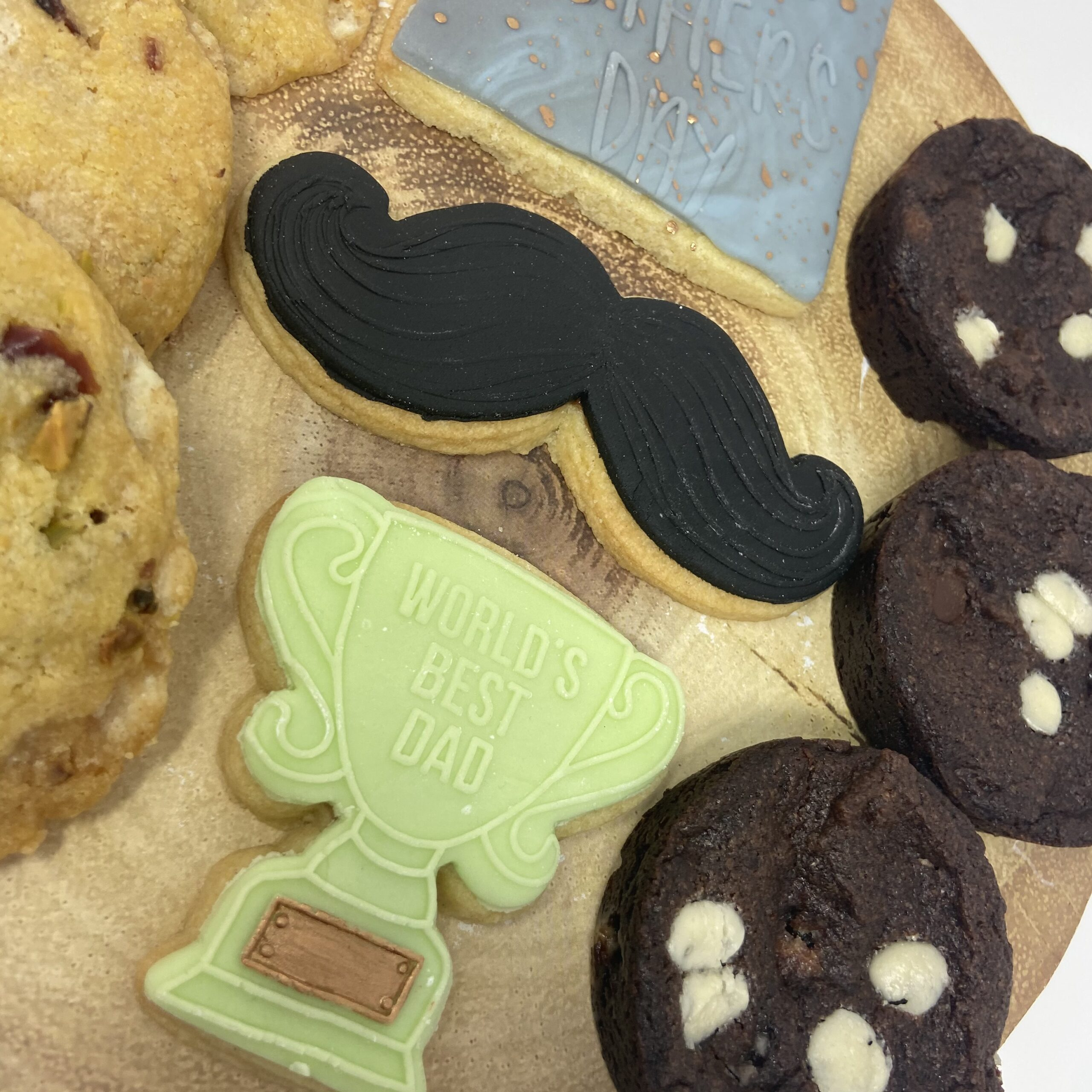 fathers day trophy biscuits treat